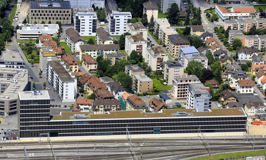 Strate J, Campus de formation tertiaire (photo de Roger Meier)